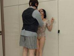 Acción hardcore BDSM con cuerdas y sexo elegante