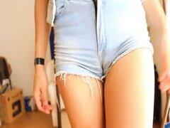 La mayoría adolescente de culo perfecto! En Ultra Tight Denim Shorts! OMG!!