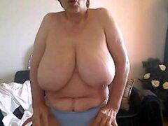 50 años de edad y mostrando mi big naturals en webcam