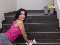 BANGBROS - cubana criada Kitty capricho se une a Cam modelo Aaliyah Hadid en 3way