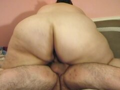 Grasa bimbo de Holanda intenta montar dick gruesa de su amante - piso