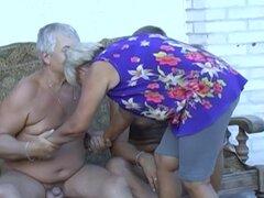 Imágenes de compilación amateur de abuela disfrutando de la vida sexual duro-a