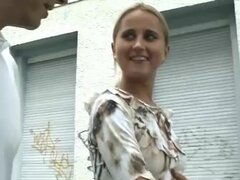 Linda teen alemana por porno, Linda teen alemana recogido arriba de calle para su primera cinta de video porno