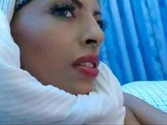 Chica Arabe caliente masturbarse
