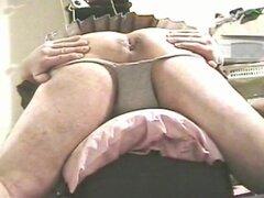 Upskirt nalgas-que se separa en minifalda plisada