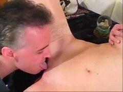 Azotera madura cachonda obtiene bocado Cummy