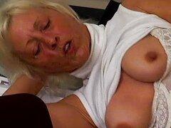 Abuela caliente consigue su coño mojado follada