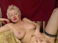 Caliente rubia madura masturba el coño en Webcam. Rubia Amateur caliente madura masturba el coño en Webcam