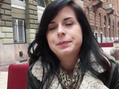 Mofos - Euro jovencita se la folla por dinero en efectivo