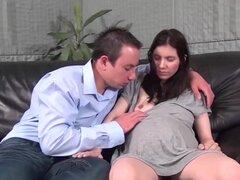 Extreme teen embarazada obtiene un fuerte dick y amssive cum sobre su vientre preggo