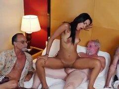 Teen Nikki Kay se acostumbra para sexo de hombres viejos