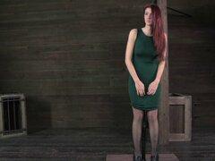Seductor Ashley le gusta ser tratado como un esclavo del sexo real - Ashley Lane