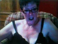 Abuela en una Webcam R20