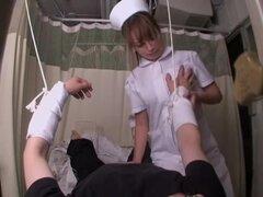 Video de sexo fetiche médico con enfermera asiática que un peter, Lya es una enfermera asiática muy traviesa que piensa que el sexo es el mejor tratamiento para sus pacientes. En esta película médica ella actúa realmente sexy y cabalga como un loco el gra