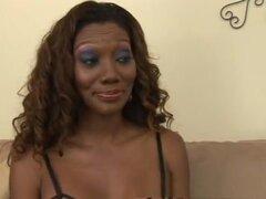 Increíble estrellas porno Nyomi Banxxx y India verano exótico negro y ébano, clip de lesbianas xxx. Nyomi Banxxx tiene una mala experiencia unos meses atrás con una gran polla negra golpeando contra la tapa de su cerviz en un gangbang. Por órdenes del méd