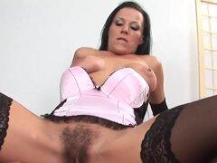 Sexo con mujer mayor con la vagina peluda