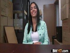 Babe amateur de Latina Jasmine Caro primera vez en cámara casting.1