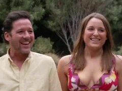 Swinger pareja está emocionado y listo para golpear duro en la fiesta de los Swingers