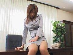 Misaki Inaba follada en la oficina, Misaki Inaba follada en la oficina