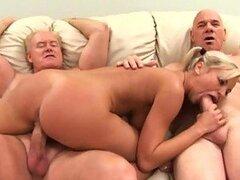 Bree Olson folla a dos ancianos en un trío increíble