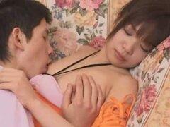 ¿Cosplay porno: Se nos joden parte 2, gracioso o disfraces traen más diversión en follando porno promedio, que es lo que nos gusta cosplay por derecho? Así que aquí está otro video con chicas asiáticas sexy en trajes de conejo y gato