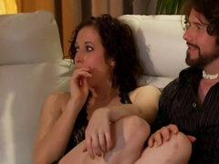 Se inscriben para tener sexo en grupo esta pareja swinger se siente emocionado en el juego sensual. Se inscriben para tener sexo en grupo, esta pareja swinger se siente emocionada en el juego sensual y se sienten atraídos por los otros más amateur swinger