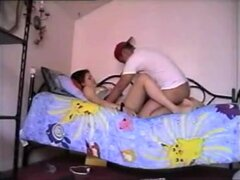 compilación follando casero, esta complicación de sexo casero de video hecha muestra diferentes parejas video ellos mismos grabando como se la follan uno al otro duro en numerosas posiciones como el perrito y misionero.