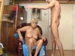 Madura se folla al chico madura abuela porno maduras viejas corridas cumshot