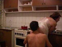 La abuela se la follan en la cocina. La abuela se la follan en la cocina.