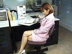Cachonda jovencita Asiatica Jyuri Hashimoto obtiene su delicado coño responsable follado en la oficina