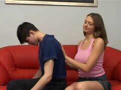 Precioso pecho natural masajes Teen rusas antes del sexo