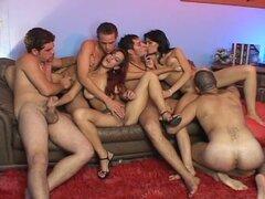 Un grupo atractivo estaba disfrutando de sexo hardcore extremo