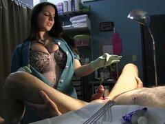 Uretra de la esclava extensiones de enfermera con sonidos de Rosebud y guantes de látex verdes