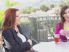 Sara Jay se folla MILF mexicana cachonda