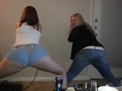 Superlatively Good twerking web camera legal age teenager movie scene,