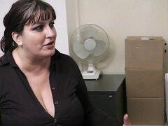 Secretaria gorda mamada y golpes de oficina