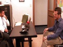 Gays calientes Berke y Parker follan en la oficina