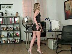 Cada jefe le encantaría tener una secretaria como Marilyn