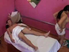 Masaje asiático gordita de cuerpo completo