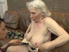 Peludas abuela obtener lamida por joven