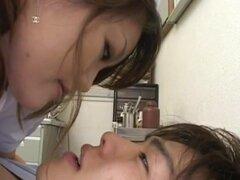 Yui Hanasaku está enclavado profundamente en crack peluda, Yui Hanasaku se clava profundamente en crack peluda