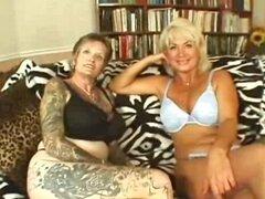Abuela lesbiana tatuada follada