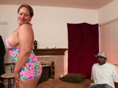 Deseable señorita gordita tiene el dick negro grueso en su arranque - Long Island, Shorty Mac