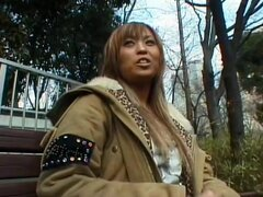 Amateur XXX de la Mania de Ko-gal, manojo de kogal buscando damas aparecen en distintas escenas en este video de sexo Japon sin censura. Algunas son chicas recolección y algunos son tu chica media que veo por la calle. Sin embargo, sus vaginas son bombead