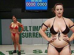 Increible accion de lucha libre entre jovencitas lesbianas muy putas y fuertes sube de temperatura