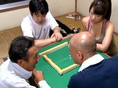 Ningún buen marido, No buen marido Maki Azusa que has apostado a la esposa es tragado por