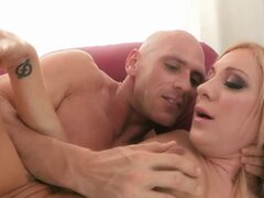 Squirting bigtit babe se facializa. Squirting bigtit nena se facializa y le encanta lamer su semen
