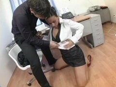 Secretary anal sex stretches out this naughty whore - Simone Style