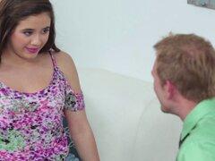 Caliente adolescente Lucy Doll no puede esperar a llegar poked por eso hermoso dick - Lucy Doll, Bill Bailey