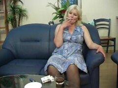 Chick madura cachonda Linda seducido por amante pussy ansia - Linda